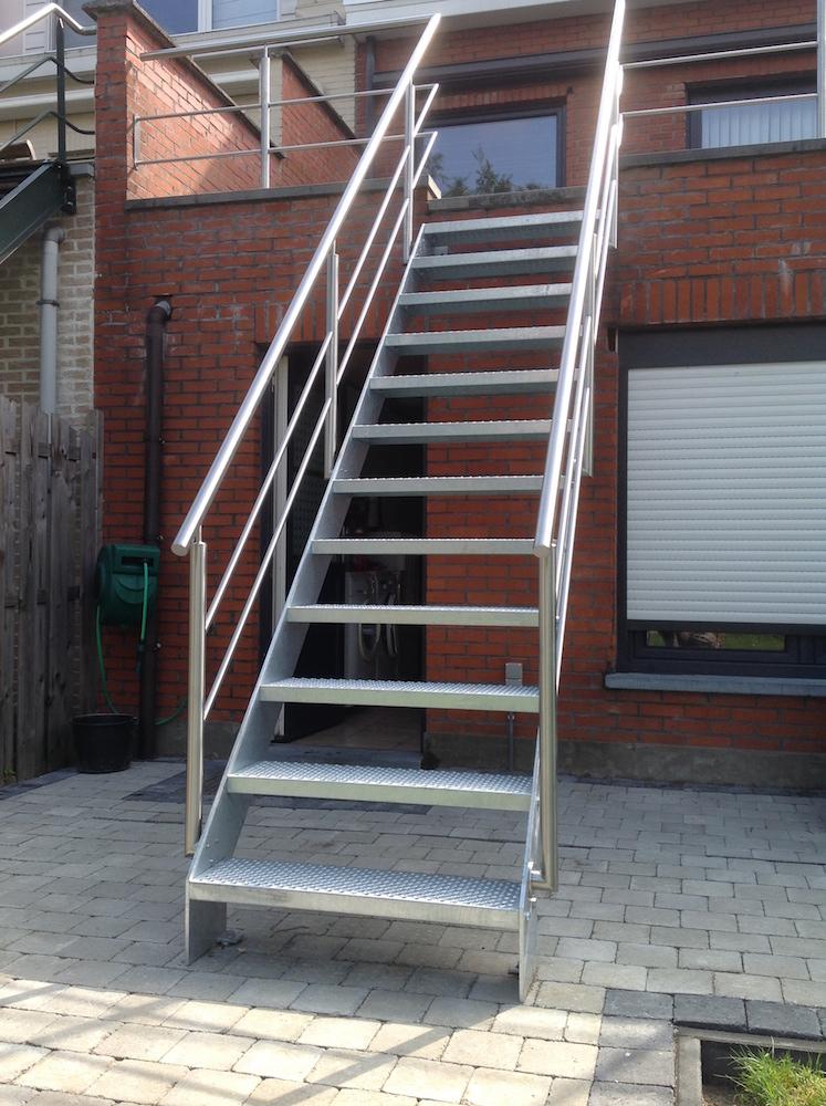 Laswerken ravache trappen for Stalen trap maken